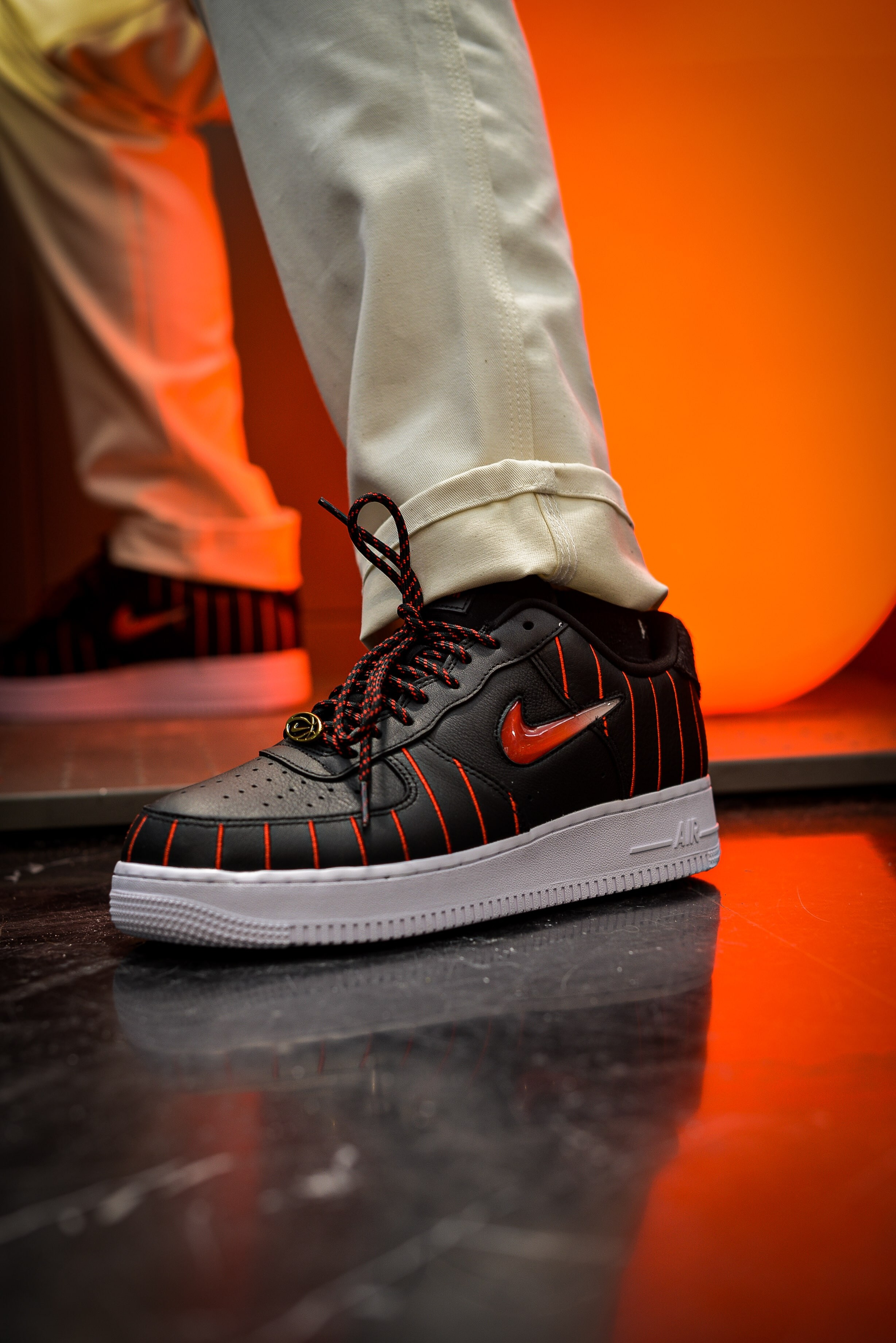 NIKE AIR FORCE 1 JEWEL QS